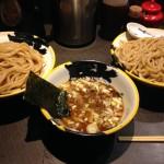 秋葉原のデカ盛り・大盛り!!「麺屋武蔵 巌虎」のつけ麺は、安い・美味しい・大満足!!