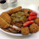 デカ盛り有名店 神保町「まんてん」でジャンボカレー全部のせを食す
