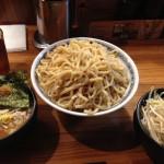 神田「聖(ひじり)」メガ盛り1kgまで無料!つけ麺、ラーメンに大盛り野菜サービス!