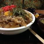 岩本町デカ盛り「アーモンド」大盛り牛丼!パスタ・カレー・豚丼も!