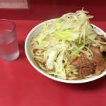 一之江デカ盛り!「ラーメン二郎」で大盛りラーメン豚5枚!野菜増し!