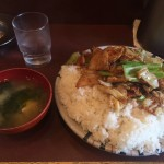 B級グルメデカ盛り!飯田橋「えぞ松 神楽坂店」で回鍋肉(ホイコーロー)定食大盛り!