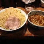 新宿デカ盛り!「麺屋武蔵 新宿本店」でつけ麺特盛り最大1kg!