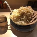 錦糸町深夜ラーメン「麺屋 三郎」で豚麺特盛!野菜大盛り無料!