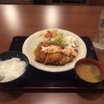 神田メガ盛りランチ!「筑前屋」でデカ盛りチキン南蛮定食!ご飯大盛り・おかわり無料!