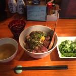 特上ざぶとんステーキ丼(濃厚ガリバターソース)大盛り!神田「豆福」ランチ!
