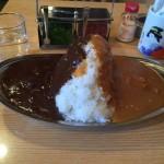 幡ヶ谷デカ盛り!「スパイス」でエッグ入りミックスカレー大盛り!甘口と中辛のあいがけ!