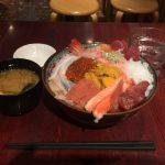 上野デカ盛り海鮮丼!「若狭家(わかさや)」でオールスター丼デラックス・ご飯特盛!