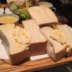 デカ盛りサンドイッチ!東銀座「アメリカン」で巨大タマゴサンドランチ!