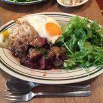神田土日ランチ!「Brook Kitchen(ブルックキッチン)」で牛ハラミのスタミナプレート大盛り!