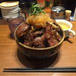 デカ盛りステーキ丼!「タケル 秋葉原店」で総重量1kgの1日5食限定メニュー!