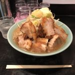川崎デカ盛りラーメン!「大山(たいざん)」で大麺豚ダブル!アトレ川崎ラーメンシンフォニー!
