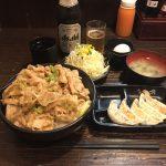 深夜デカ盛り丼!上野「伝説のすた丼屋 御徒町店」で餃子セット・肉飯増し!