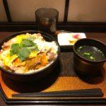 東京駅親子丼!「新橋 鶏繁 どんぶり子」で特上&焼き鳥丼・大盛り!