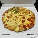 【ドミノ・ピザ】ウルトラチーズ革命・クワトロ4.0ニューヨーカー(チーズ1kg)を調査【巨大ピザ】